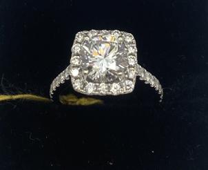 18kt white womens ring 2.50ct diamonds